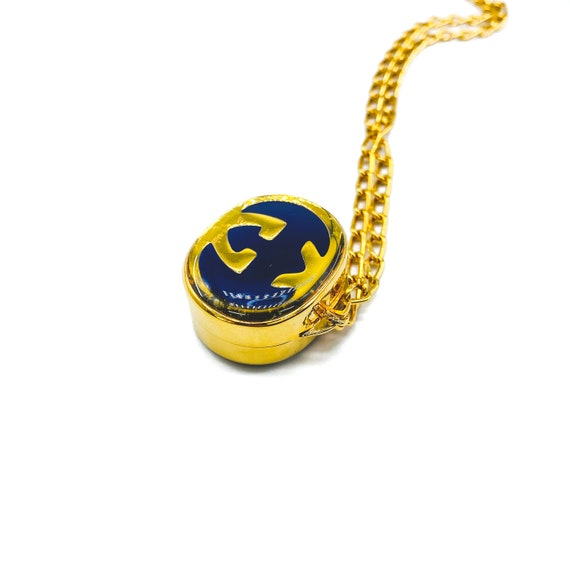 Gucci 1970s Vintage Pill Box Necklace - image 3