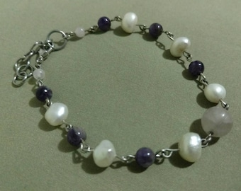 Pearl and Amethyst Bracelet with Rose Quartz.