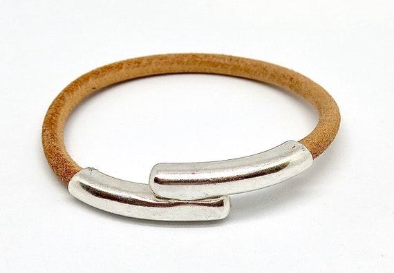 "7 1/2"" European Taupe leather bracelet"