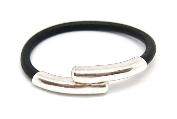 "7 1/2"" Black European leather bracelet"