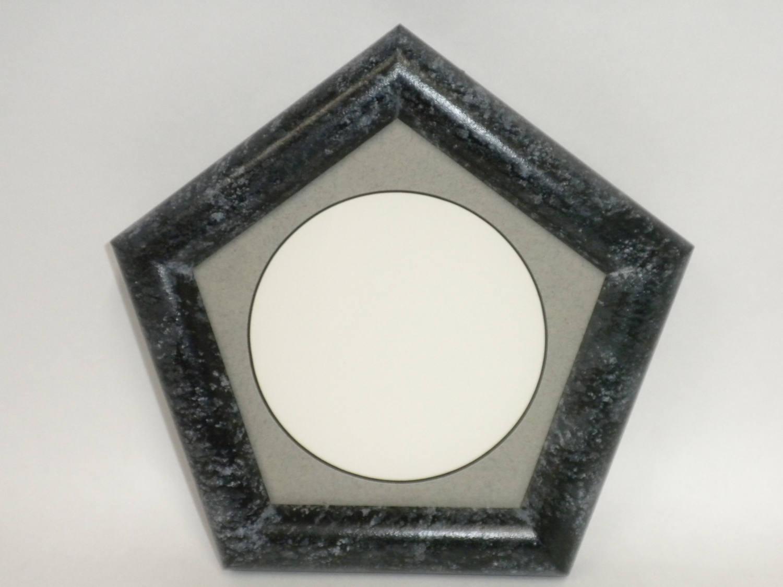 Pentagon Bilderrahmen schwarz mit grau-Matte für ein Foto