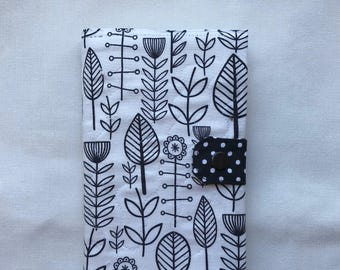 13x21cm B&W Leaves Notebook cover. Quilted with a lining. Moleskine. Black and White 100% cotton