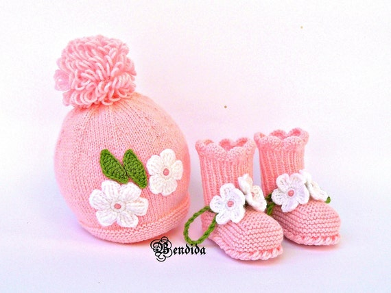 24af1ba2e71 Crochet Baby Outfit Pink Baby Girl Hat and Booties Set