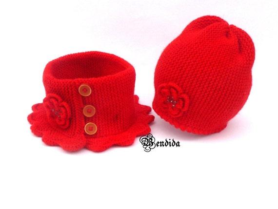 Enfant en bas âge fille vêtements bonnet et écharpe ensemble   Etsy 8a2cfaa46d9
