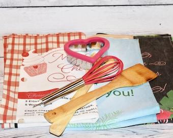 Flour sack towel, handmade gift, recipe tea towel, kitchen linen, kitchen decor, kitchen tea towel, towel for kitchen, gift for mom, kitchen