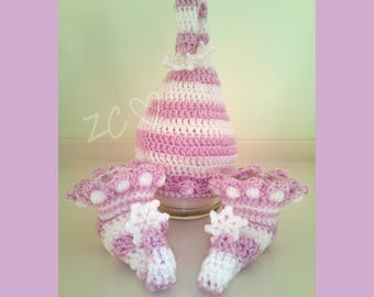 Crochet Baby Elf Hat and Booties set, 0-3 months, Pale Lavender Pink