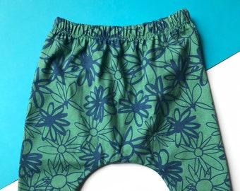 Baby Harem Pants / Children's Leggings / Toddler Trousers / Organic Unisex Daisy Print / Newborn Baby Gift