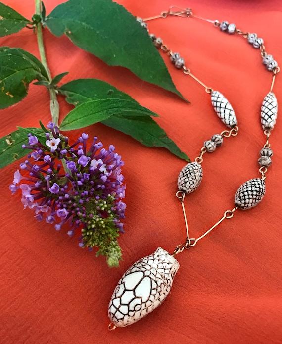 1920s Czech glass snake necklace || Neiger Brother