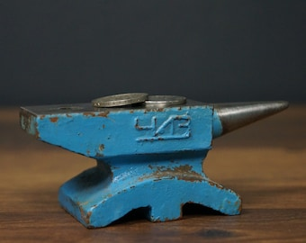 Antique anvil | Etsy