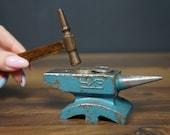 Anvil, vintage anvil, miniature anvil, small anvil, antique anvil, metal anvil, old anvil, jewelers anvil, mini anvil, work tool, work