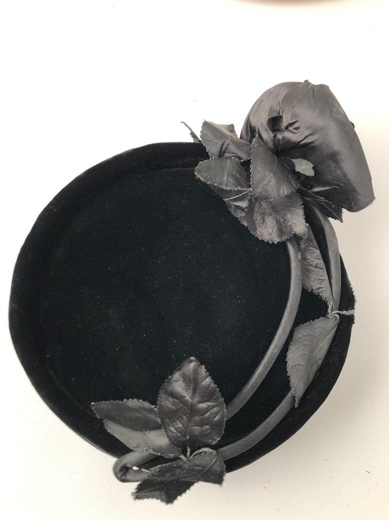 Theater hat Fancy hat Cosplay hat Ladies 1950/'s hat Party hat Retro hat Cocktail hat Ladies vintage hat Black velvet hat