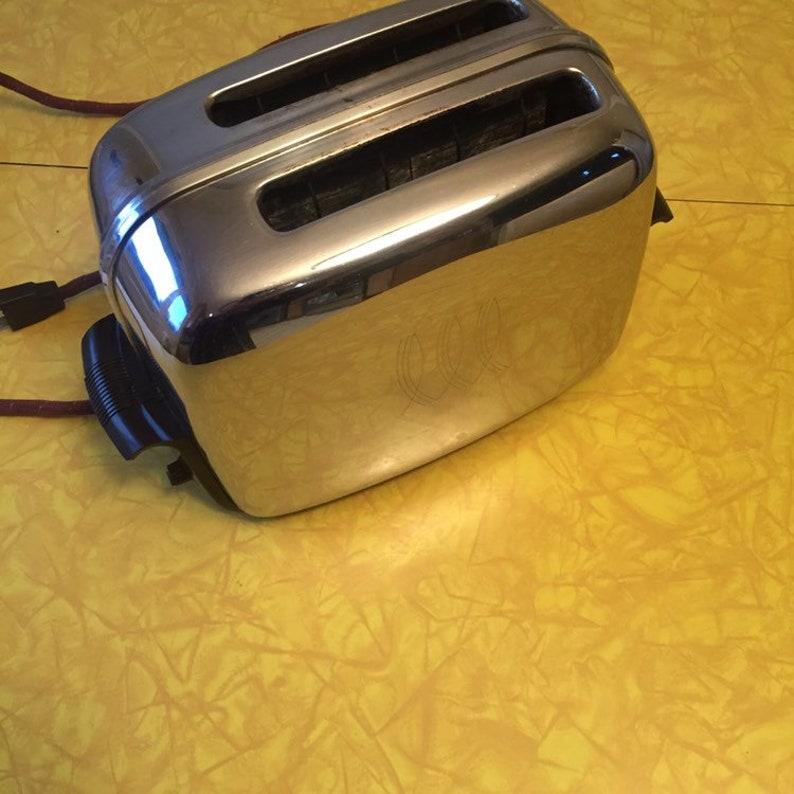 Toastmaster Vintage Chrome Breakfast Appliance Bread 2 Slice image 1