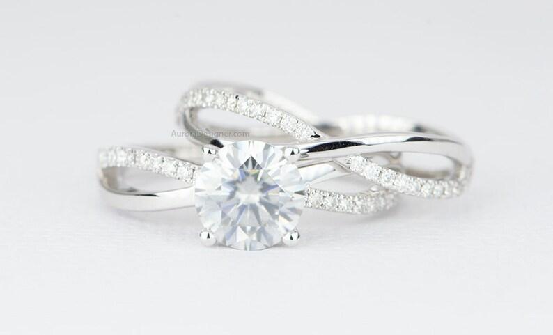 c921fc623818c One-Carat 6.5mm Moissanite Engagement Ring Set 14K 18K Gold Platinum PT950  4-Prong Infinity Wedding Band Diamond Alternative Bridal AD1675