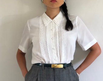 0d8f281096d8c5 80s lace blouse / vintage creamy white eyelet lace trim pleated pintuck  short sleeve crepe blouse | XS S