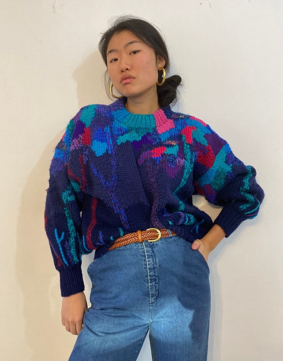 80s hand knit scenic sweater / vintage navy blue t