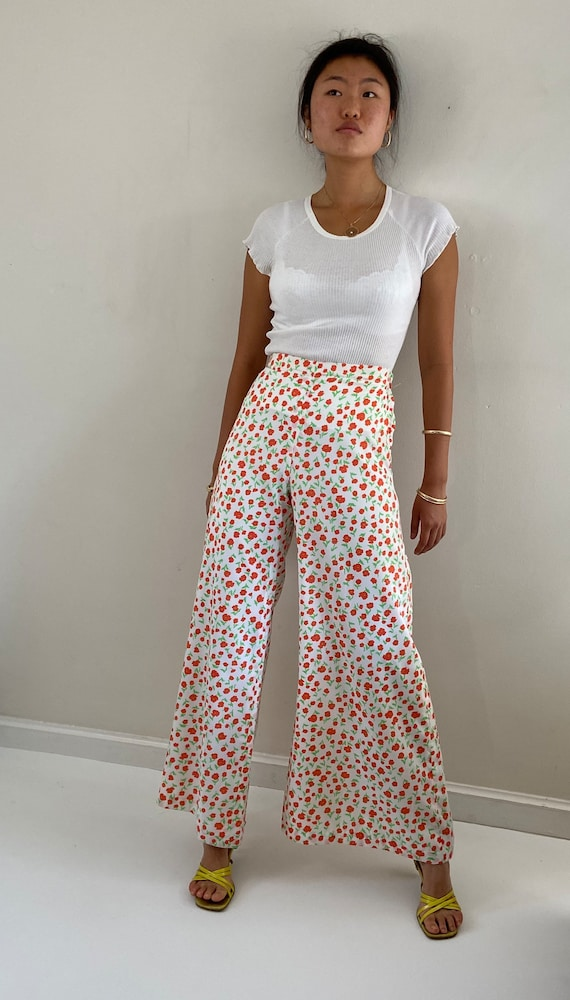 70s palazzo pants / vintage poppy floral silky cr… - image 9