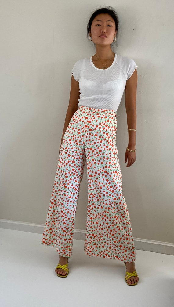 70s palazzo pants / vintage poppy floral silky cr… - image 3