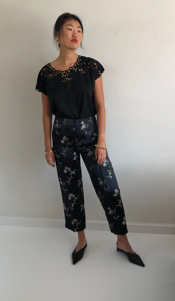 90s cigarette pants / vintage black satin floral b