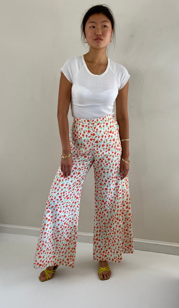 70s palazzo pants / vintage poppy floral silky cr… - image 6