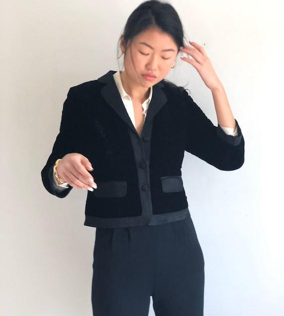 90s velvet cropped blazer / vintage black velvet q