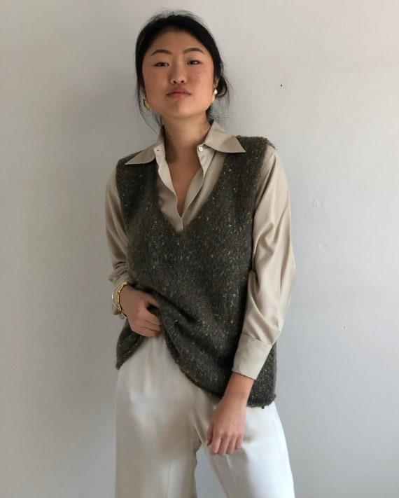 90s hand knit sweater vest / vintage olive handkn… - image 1