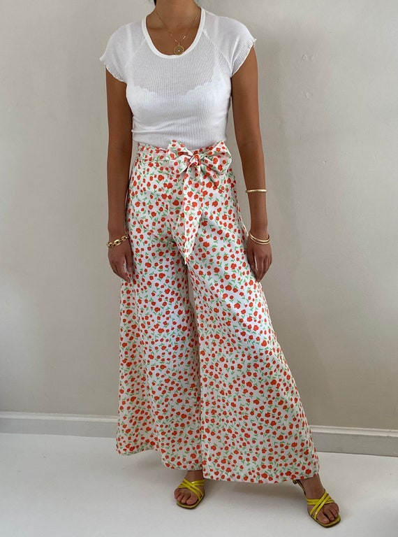 70s palazzo pants / vintage poppy floral silky cr… - image 2