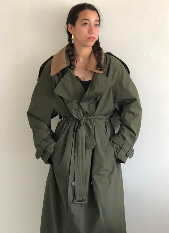 80s trench coat / vintage olive green London Fog b