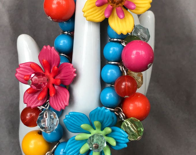 Bakelite and Lucite floral stretch bracelet