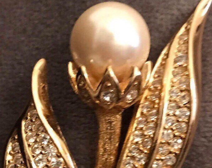Christian Dior floral motif brooch