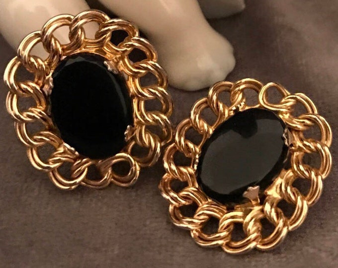 Vintage gold plated clip earrings with onyx stone