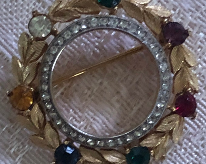 Vintage Crown Trifari gold wreath pin