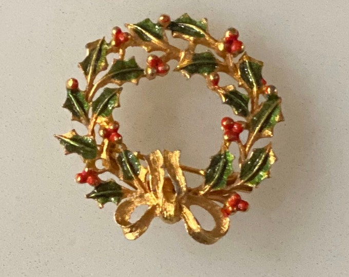 JJ Christmas wreath pin