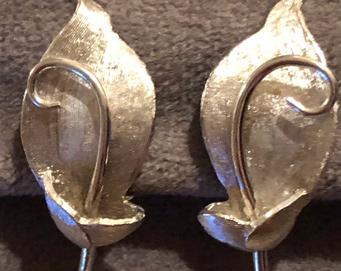 Vintage Pastelli silver leaf motif clip earrings