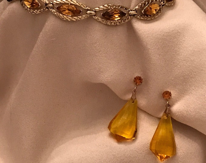 Coro, Lucite and gold choker, with coordinating Lucite, clip on earrings
