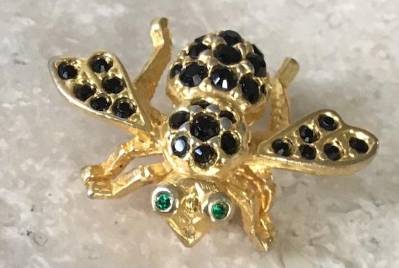 Vintage Joan Rivers bee brooch