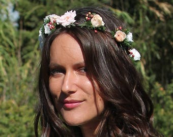 Preserved flowers crown, bridal hairstyle with preserved flowers, boho bridal wreath, pink bridal circlet