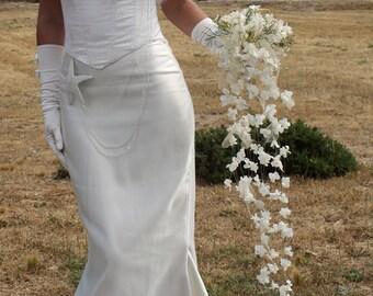 """Bouquet de mariée """"Dentelle"""" en fleurs stabilisées, bouquet cascade original en pétales de roses naturels, bouquet de mariage unique"""