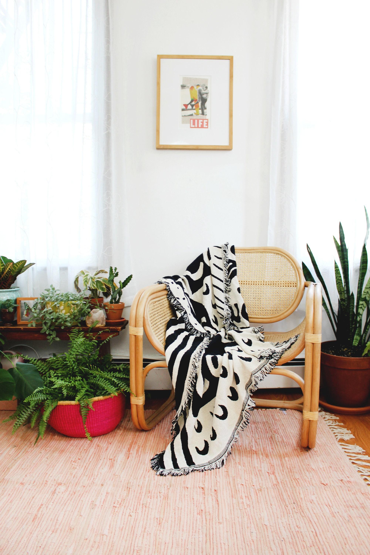 Mi Casa Es Su Casa noir et blanc couverture - coton Jet - B & W classique salon Decor - pendaison de crémaillère cadeaux - cadeau - dortoir en mouvement