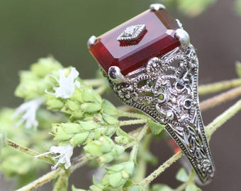 Redrum! Romantic, beautiful victorian 925 Sterling Silver Ring with Orange / Red Mystery Stone