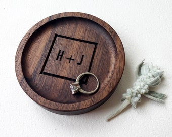 Gifts for Women Wooden Ring Dish Small Trinket Dish for Desk Round and Square Jewelry Dish Gift for Her Minimalistic Wedding Ring Dish