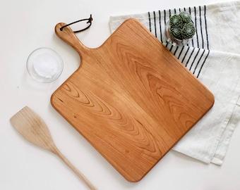 Charcuterie Board / Cherry / Square Paddle Board