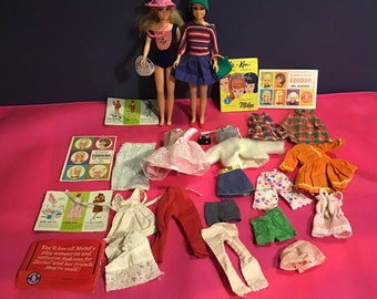 20 Vintage 1960/'s Barbie Clone Hard Plastic Mixed Doll Clothes Hangers Lot 12