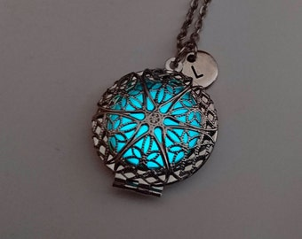 Glowing Locket, Heart Necklace, Wife gift, Easter Gift, Glow in the Dark Pendant, Bridesmaid Necklace, Gifts For Her, Personalized Necklace