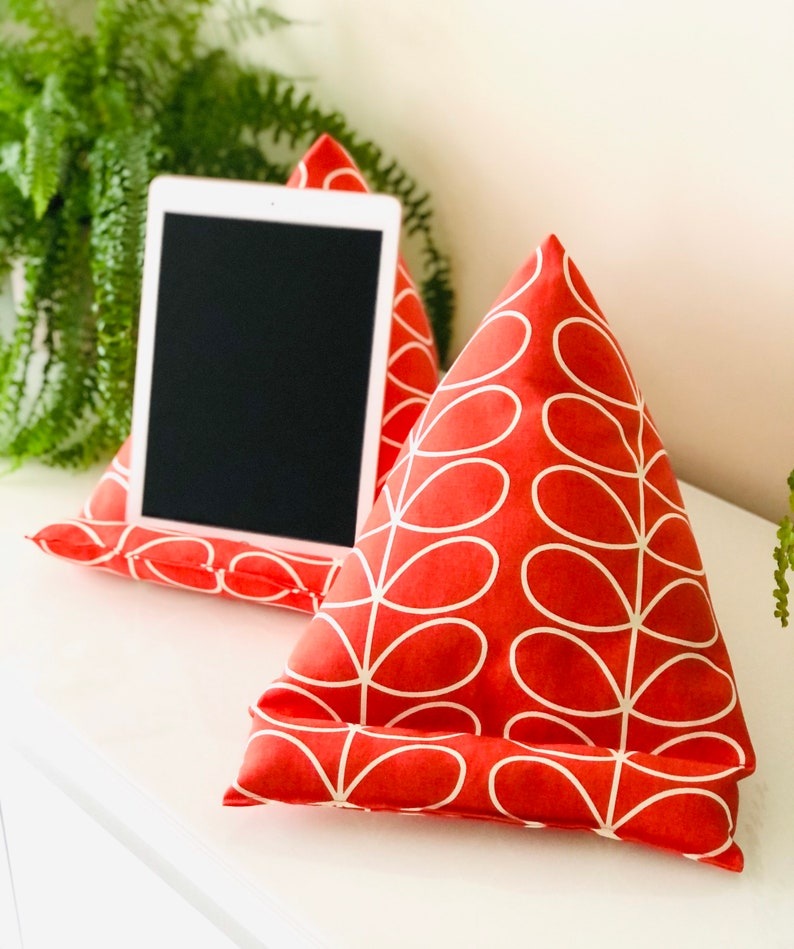 Tablet stand tablet pillow iPad stand tablet cushion Orla image 0