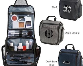 Embroidered Monogrammed Hanging Toiletry Kit,  personalized Dopp kit, personalized bathroom bag, Travel bag, monogram make-up bag BG700