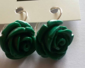 Rose earrings in coral paste, moss-green, Monachella in sterling silver