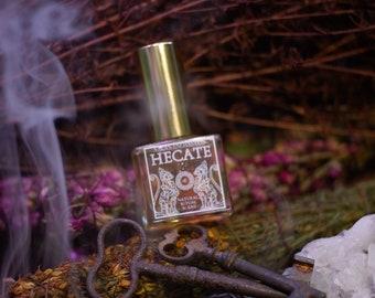 Hecate • Botanical ritual scent - Dark, smoky floral with amber base • Greek mythology • Hellenism • Witchcraft • Triple goddess