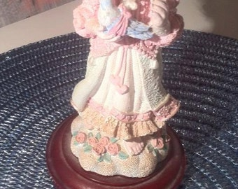 Christmas Around The World House of Lloyd Angel. Gift for Her. Christmas Gift. Christmas Angel. Beautiful Collectible.
