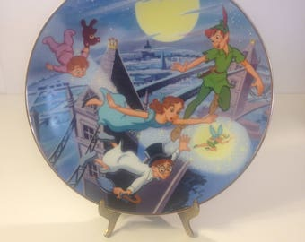 """SALE...Disney Peter Pan Collectors Plate, Grolier, The Disney Collection, First Edition Series, """"Off To Neverland"""" Original Box, JAPAN"""