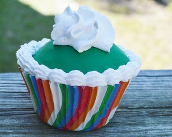 Striped cupcake (fake)